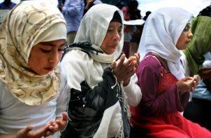 Mujeres indígenas de la comunidad Ahmadia, profesando el islam, en San Cristóbal de las Casas, en el estado de Chiapas (México). Foto: EFE.