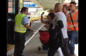 Mi Bus investiga incidente entre un operador de metrobús y una usuaria, en el que hubo agresión física.