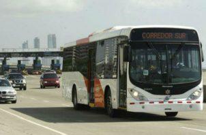 La empresa First de Panamá  administra  el servicio de transporte colectivo en la ciudad de Panamá y San Miguelito.