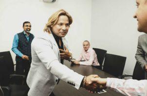 El actor y productor de origen indio, Prabhakar Sharan, sostuvo una reunión con directivos del Mici. Foto/Cortesía Mici