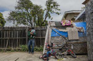 Romeo de Jesús Sasvin Domínguez dejó Guatemala para buscar asilo para su familia tras el asesinato de su esposa. Foto/ Daniel Berehulak para The New York Times.