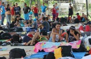 Los migrantes reciben atención en Puerto Obaldía. Foto: Panamá Ámérica