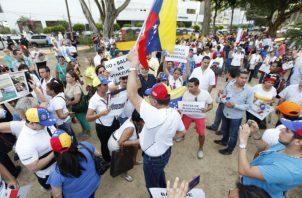 El polémico anteproyecto presentado por la diputada Zulay Rodríguez que reforma la ley migratoria ha generado enfrentamientos verbales entre nacionales y extranjeros.