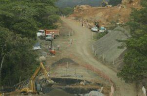 La mina a cielo abierto, tiene previsto enviar su primer cargamento de concentrado de cobre este mes.