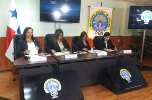 Las fiscales del Ministerio Público se hicieron acompañar de las acostumbradas presentaciones digitales para dar a conocer como marcha este caso complejo. Adiel Bonilla