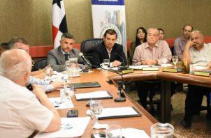 El titular del MOP anunció la creación de un Fondo de Mantenimiento Vial (FOMAVI) con un presupuesto de $150 millones anuales