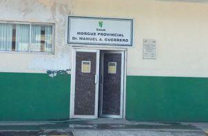 Los cuerpos fueron llevados a la morgue. Foto: Diómedes Sánchez.