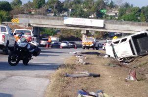 El accidente de tránsito en el Corredor Norte, que dejó una víctima fatal, fue a la altura de Villa Lucre. Foto Tráfico Panamá