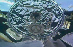 Esta fotografía proporcionada por la NASA muestra un barco de carga que llega a la Estación Espacial Internacional. FOTO/AP