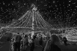 La Navidad es la celebración cristiana que nos recuerda que no estamos solos. Que Dios está con nosotros.