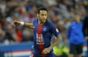 Neymar  no jugó contra el  Manchester United por lesión. Foto AP