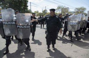 La presencia policial fue más notoria entre el centro y el sureste de Managua, donde se han citado los opositores para desarrollar la marcha.
