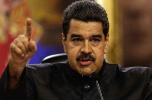 """Criticó al presidente de Colombia, Iván Duque, de ser """"el rey de los falsos positivos"""" por presentar pruebas falsas en la ONU para vincular a Venezuela con supuestos campamentos guerrilleros y le instó a resolver la situación de su país."""