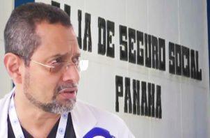 """El jefe de gastroenterología Norberto Carreño plantea : """"Paro no incluye los servicios de urgencia"""". Twitter"""