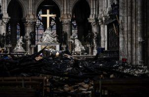 La agencia regional de salud de París, el martes 4 de junio de 2019, recomienda que los niños menores de siete años y las mujeres embarazadas que viven cerca de la Catedral de Notre Dame se hagan un análisis de sangre por la preocupación de que el incendio haya causado contaminación. FOTO/AP