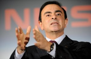 El expresidente que iba a recibir el paquete de remuneración no revelado, Carlos Ghosn, accedió a pagar una multa de un millón de dólares. Foto: EFE.