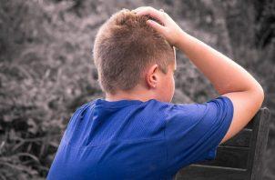 Algunos niños más osados refutan, muestran negativa o ignoran.