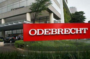 La empresa brasileña Odebrecht, tras estar involucrada en el escándalo internacional de corrupción a visto afectada sus finanzas.