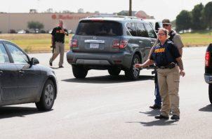 El Departamento de Policía de Midland (Texas) anunció en su página web que el presunto autor del tiroteo fue abatido y falleció por los disparos recibidos en Cinergy, unos multicines de la población de Odessa. FOTO/AP