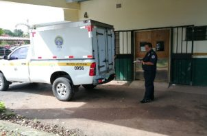 El ahora occiso fue trasladado al centro de salud de Nuevo Arraiján en un vehículo policial, en donde los galenos de turno dictaminaron su muerte. Foto/Eric Montenegro