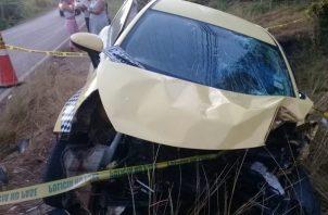 La otra persona que viajaba en el vehículo resultó con lesiones de consideración. Foto/Eric Montenegro