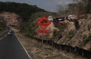 Los trabajos de ampliación de la vía se encuentran detenidos. Foto de cortesía