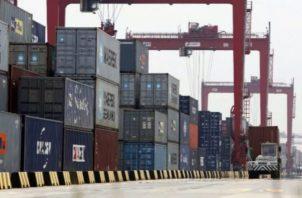 El puerto de Shanghai es uno de los más importantes de Asia.  Foto: EFE
