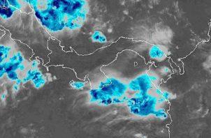 Para este miércoles, 7 de agosto, los pronósticos enfatizan mayor intensidad de lluvias y tormentas para el sector Occidental del país, debido al paso de la Onda Tropical.