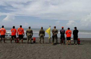 Fuertes oleajes fueron pronosticados para estas fechas en que miles de personas acuden a las playas. Foto de cortesía