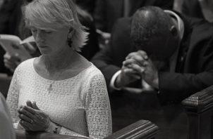 La oración es la llave por excelencia de comunicación del hombre con Dios pero también con el prójimo. Foto: Archivo