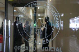 Tribunal de Garantías dictó sobreseimiento a favor del imputado por el delito contra la administración de justicia.