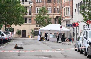 Investigan los motivos del tiroteo en una mezquita en Oslo. FOTO/AP