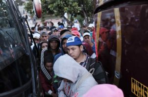 Pacto de la ONU busca legalizar las caravanas, como las recientes de centroamericanos. /Foto EFE