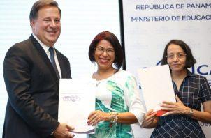 El expresidente Juan Carlos Varela ha defendido a capa y espada el programa de Panamá Bilingüe desde su creación y ahora critica las medidas del nuevo Gobierno. Foto de archivo