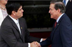 Carlos Alvarado (izq.) y Laurentino Cortizo (der.) EFE