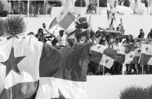 Nuestra bandera es exhibida, luego de que el papa Francisco anunciara en Cracovia, al final de una misa multitudinaria, que Panamá sería la sede de la JMJ 2019. Foto: EFE.