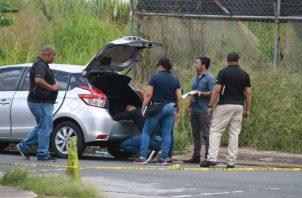 El carro estaba abandonado en Altos de El Tecal en Arraiján. Foto: Eric A. Montenegro.