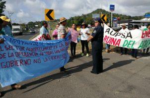 Protesta de estudiantes de ciencias agropecuarias. Foto: Eric A. Montenegro.