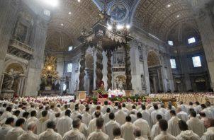 """""""El obispo no es el más importante, sino que incluso debe ser el más servicial"""", puntualizó."""