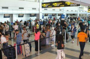 Los puestos que más movimientos migratorios presentaron fueron: Aeropuerto Internacional de Tocumen, Paso Canoas, Aeropuerto de Howard, Guabito. Foto/Archivo