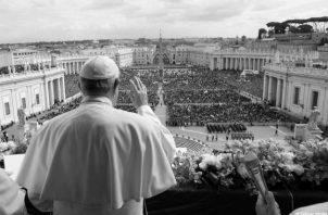 El papa Francisco, durante la celebración de la Pascua, el año pasado, centró su pedido en la paz en el mundo. Foto: AP.
