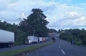 Según conductores, permanecer varias horas varados sin salir de Panamá representa para ellos gastos excesivos.