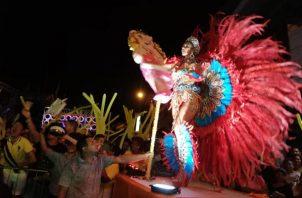 Las reinas de ambas tunas arrancan con el derroche de lujo y esplendor para los Carnavales del 2019. Foto/Thays Domínguez