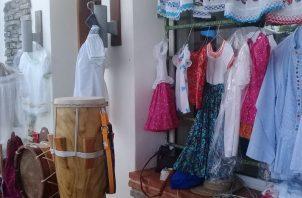 Productos ofrecidos en la feria. Foto: Lissette Zorrilla