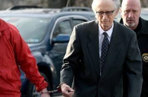La fiscalía general había solicitado una pena de entre 31 y 62 años de prisión. El doctor Johnnie Barto se negó a declarar. FOTO/AP
