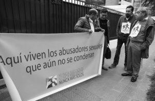 Exigen justicia por los abusos sexuales de los hermanos maristas, el pasado 27 de septiembre.  Foto: EFE