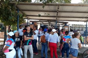 En el área de Pedregal los ciudadanos madrugaron para emitir el voto. Foto/José Vásquez