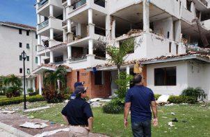 Producto de la deflagración hubo daños en los cinco pisos del PH Costamare.
