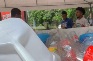El ante proyecto de Ley que busca la reducción de envases de plástico.Foto/Efe