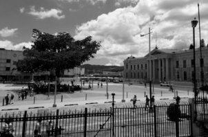 Vista de la Plaza Gerardo Barrios o también llamada Plaza Cívica, donde se realizará, este sábado 1 de junio, el traspaso de mando presidencial. Foto: Andree Cardona. Cortesía